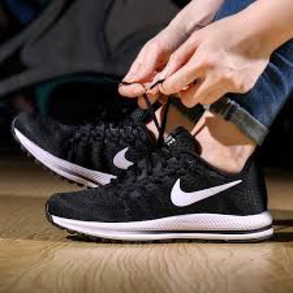 Zapatos Nike Air Zoom 8 Vomero 12 Womans Size 8 Zoom Poshmark 5dc375